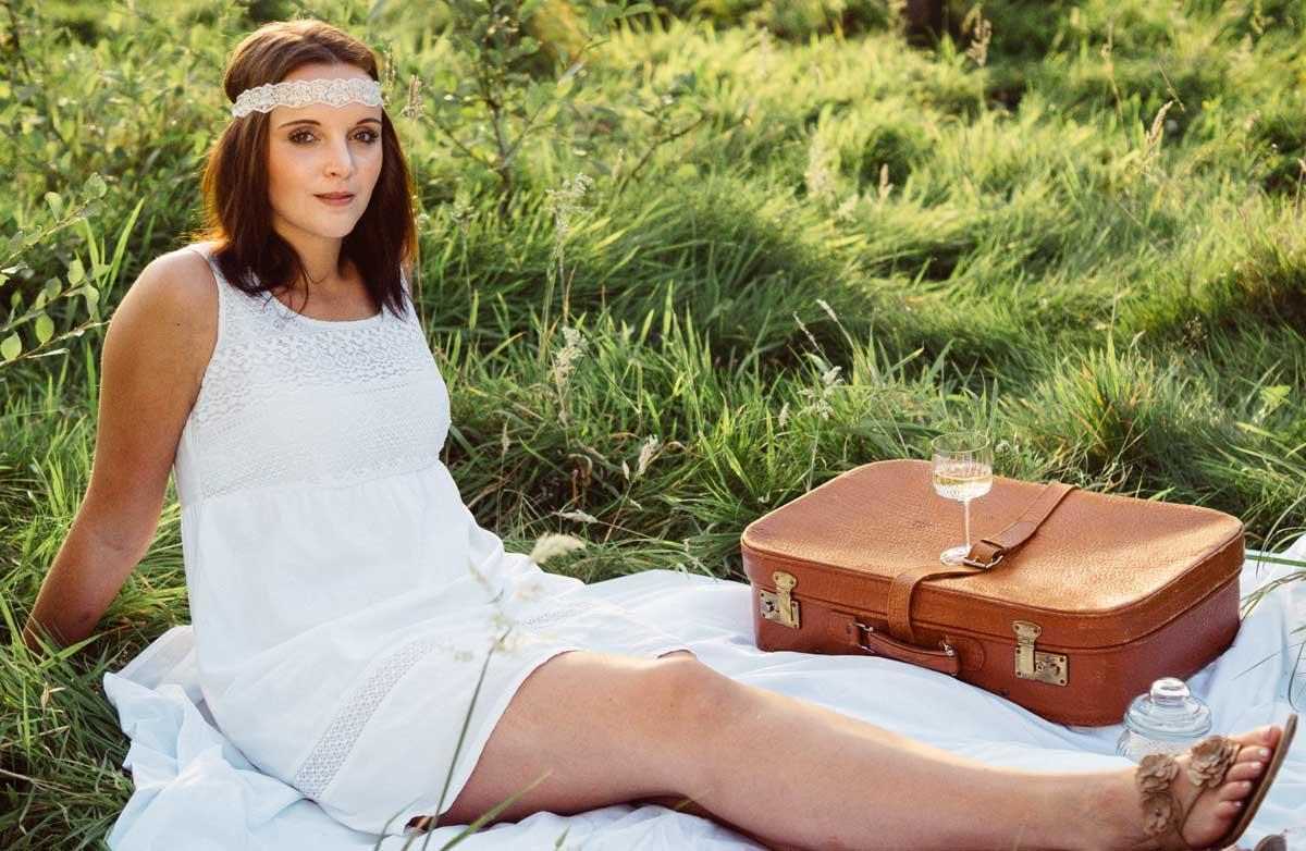 ©️benjamin wojcik photography - Fotostudio Dortmund: Frau beim Picknick