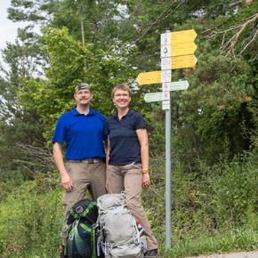 Fernwanderung über die Schwäbische Alb - Silke und Thomas wandern auf dem Donauberglandweg - HVP158