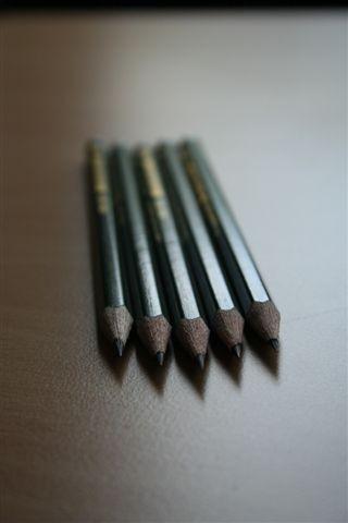 Die Bleistifte sind schon gespitzt.