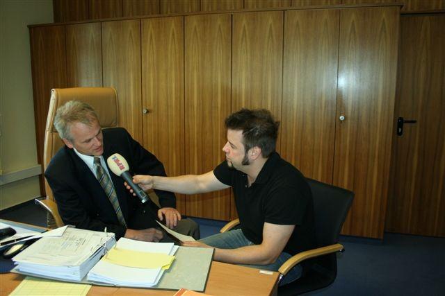 Nö. Da war noch was. Norbert braucht ja noch ein Interview.