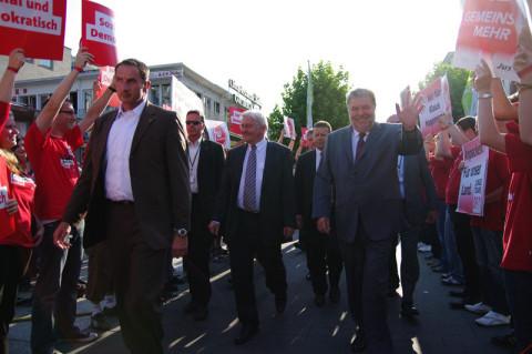 Frank-Walter Steinmeier und Kurt Beck im Anmarsch. Foto: Damian Morcinek