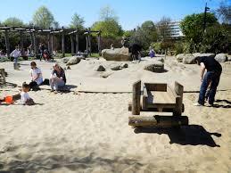 Spielplatz mit tollem Piratenboot und viel Sand