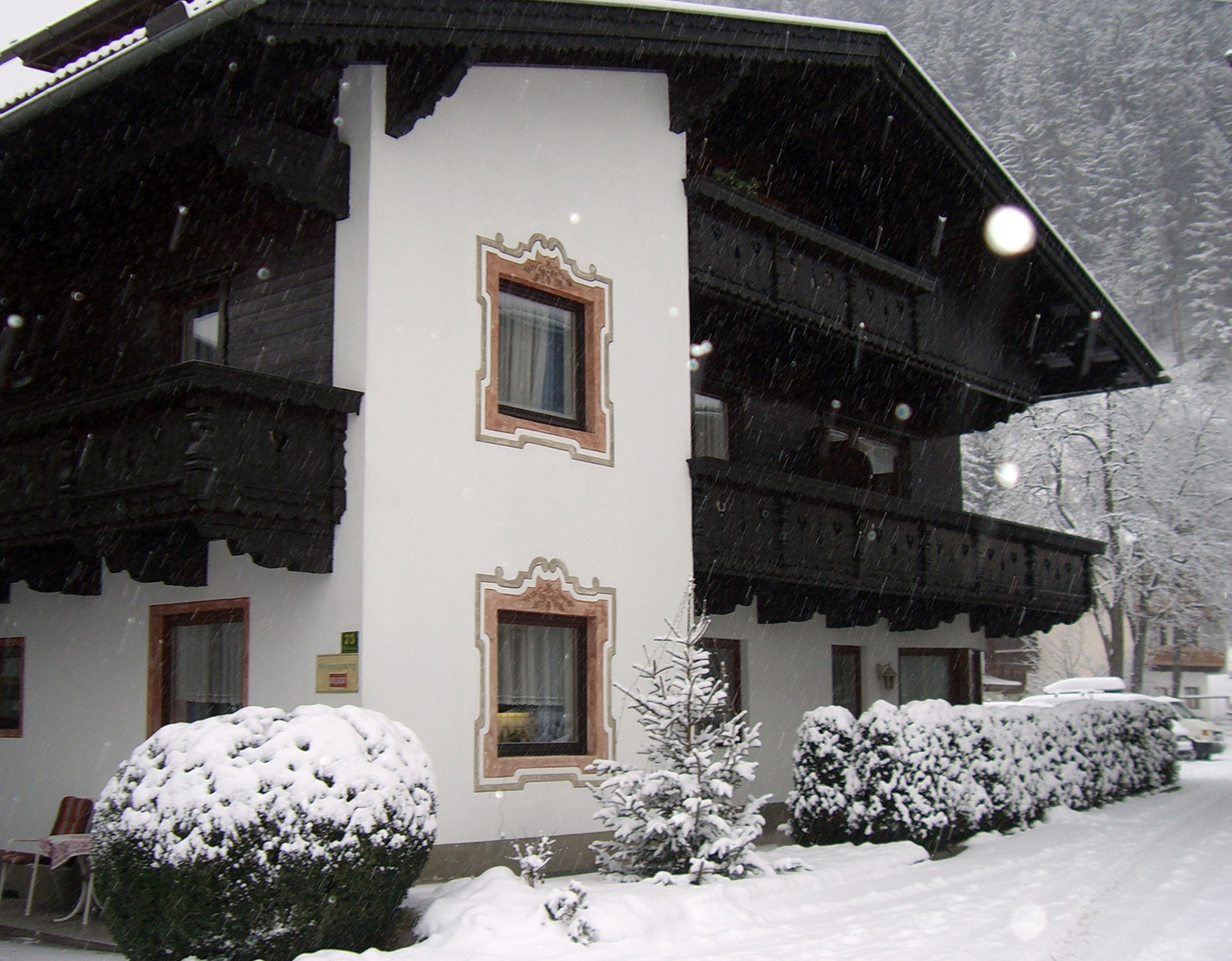 Appartmenthaus im Winter