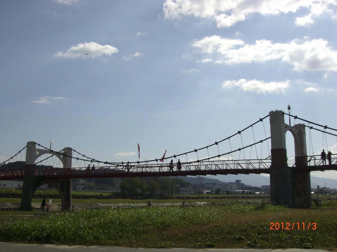 04_石川河川敷 自転車道が整備され、チャリダーが多い。ランニングも楽しめる
