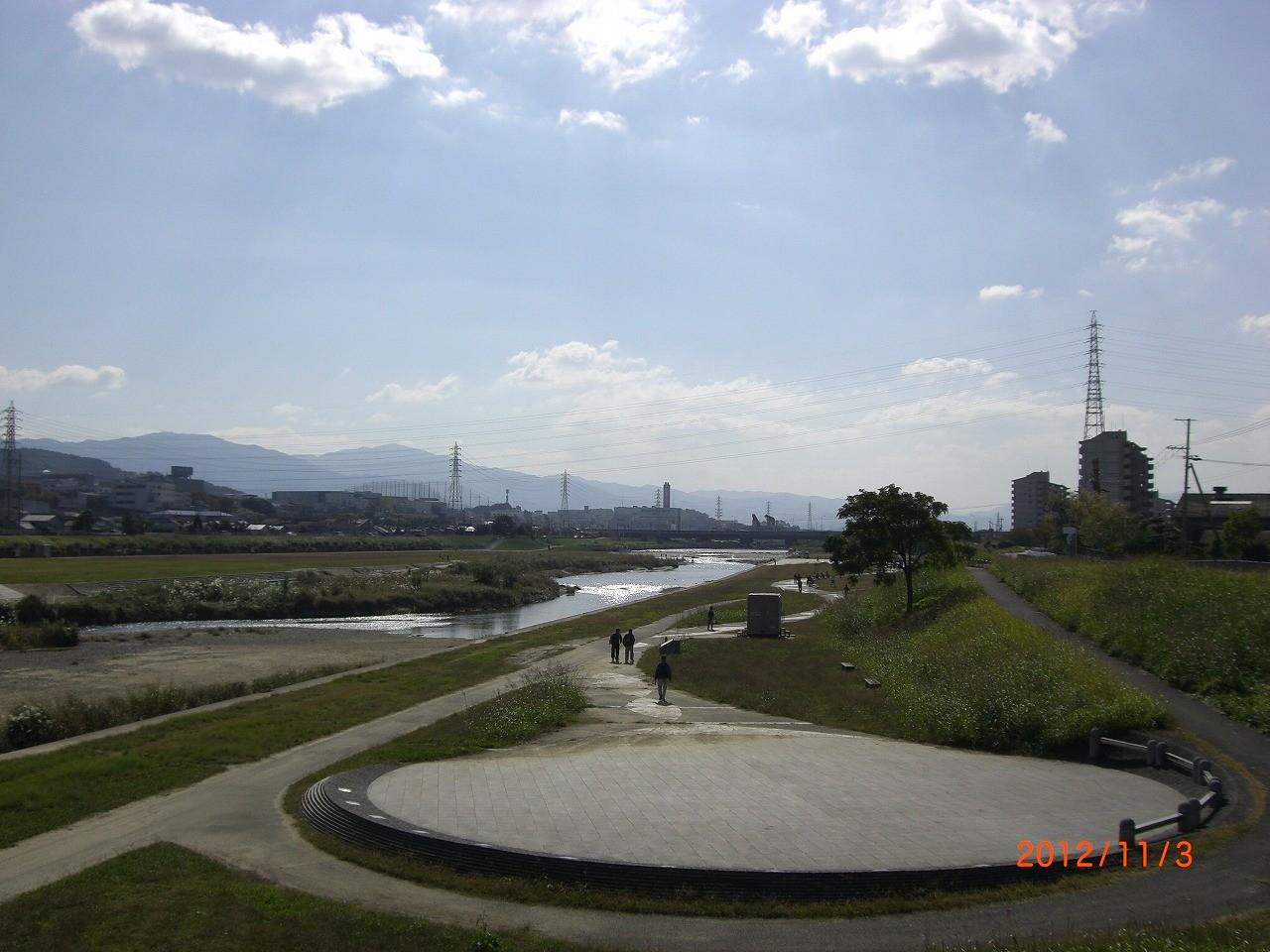 04_石川河川敷 ローラースケートもできる