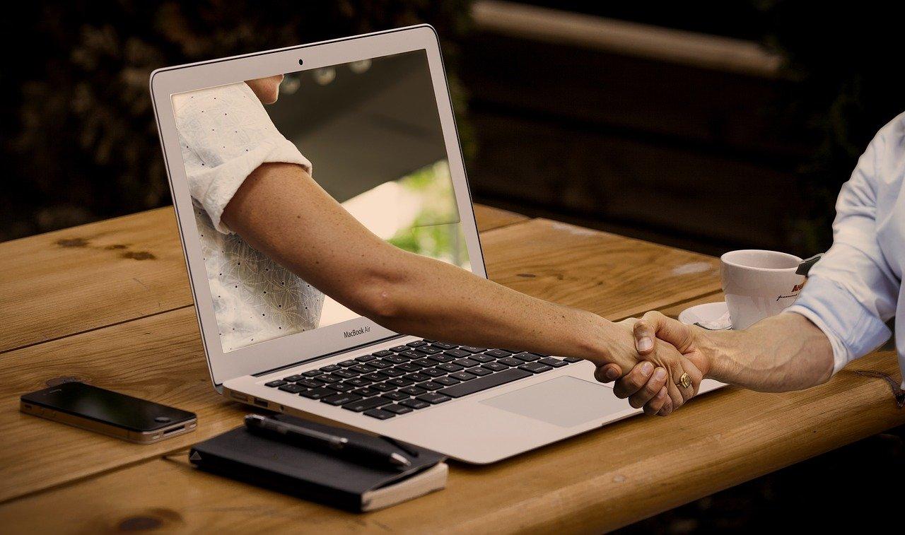 Bleiben wir online oder kehren wir wieder zu Präsenzveranstaltungen zurück?