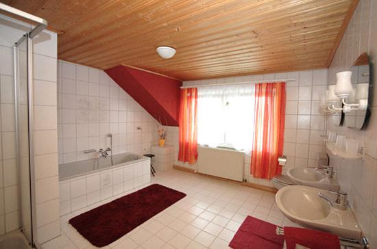 """Fam.Appartement """"Bär"""" - Badezimmer"""