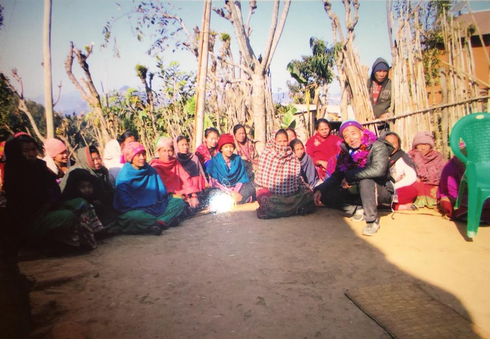 ガルダ郡コタール村の女性グループ ジャガイモの植え付けで収入を図るプログラム。 2019.1.9.