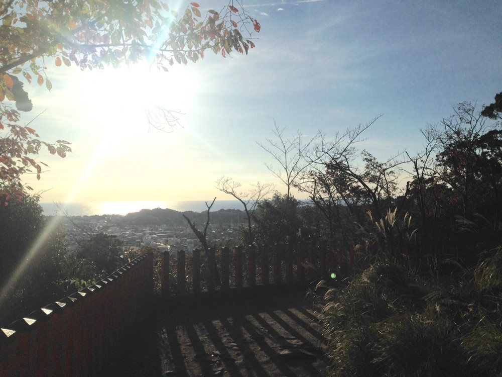 神倉神社より新宮の海