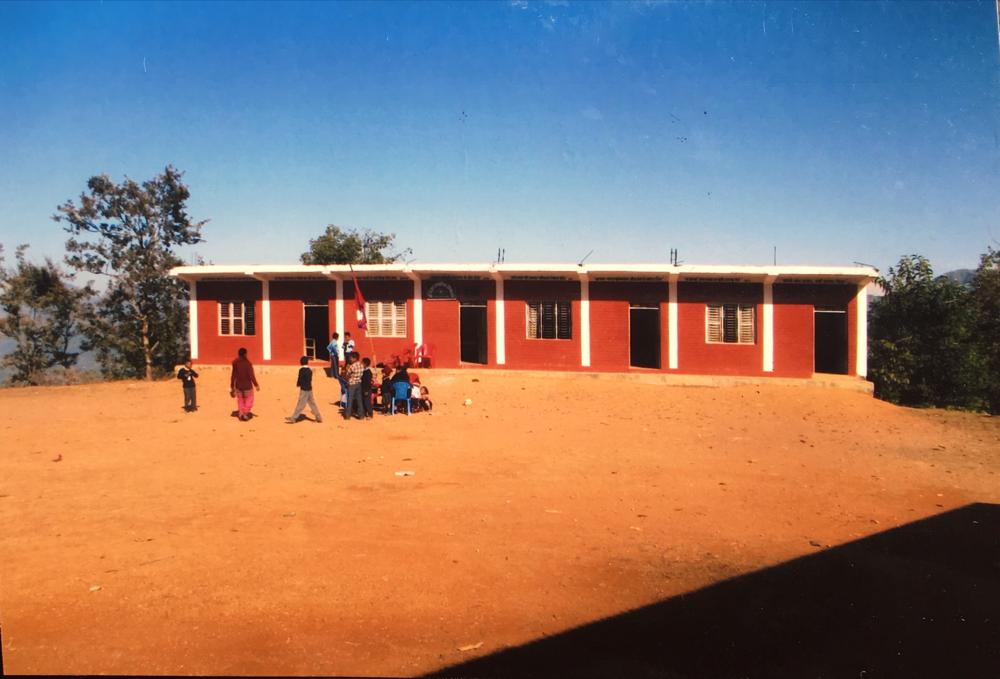 日本の支援 12年前にできた4教室 きれいに保たれていました 2017.1.3