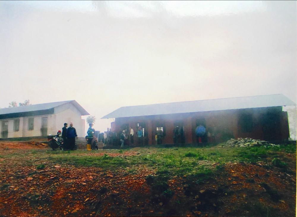 ネパール政府の建てた校舎二棟 ビジェイ校