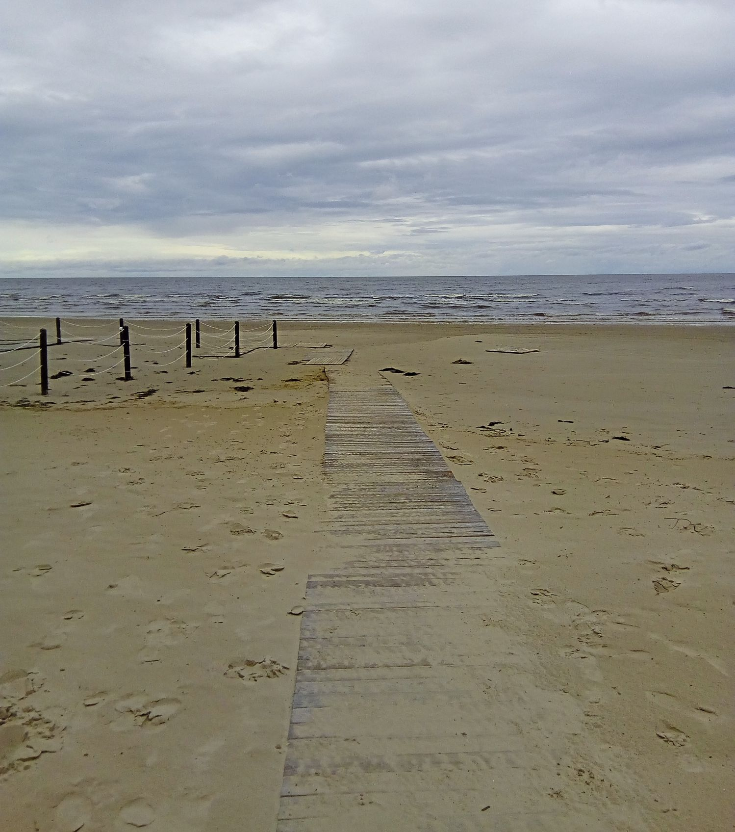 Path to the shore.