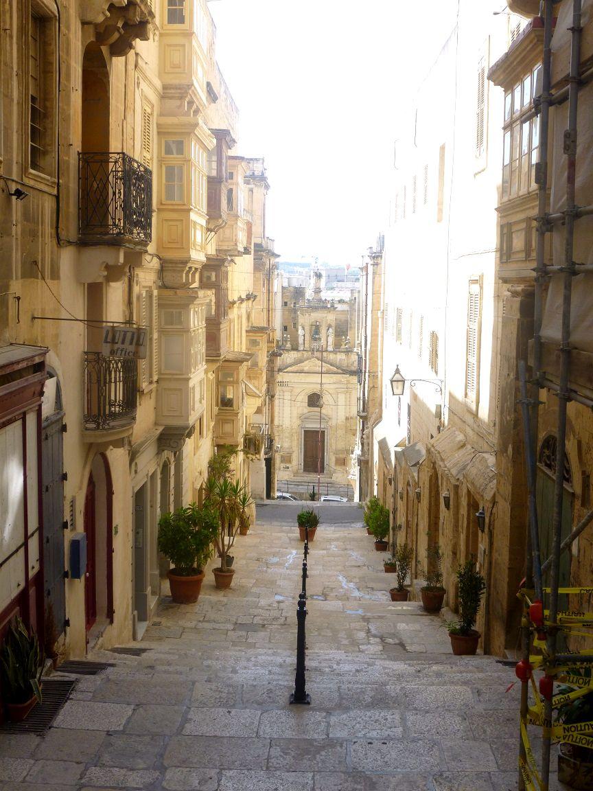 One of Vallettas gorgeous alleys!