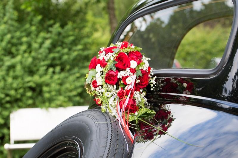 Brautstrauß, Hochzeitsstrauß, Brautauto,Hochzeit, Blumengebinde,