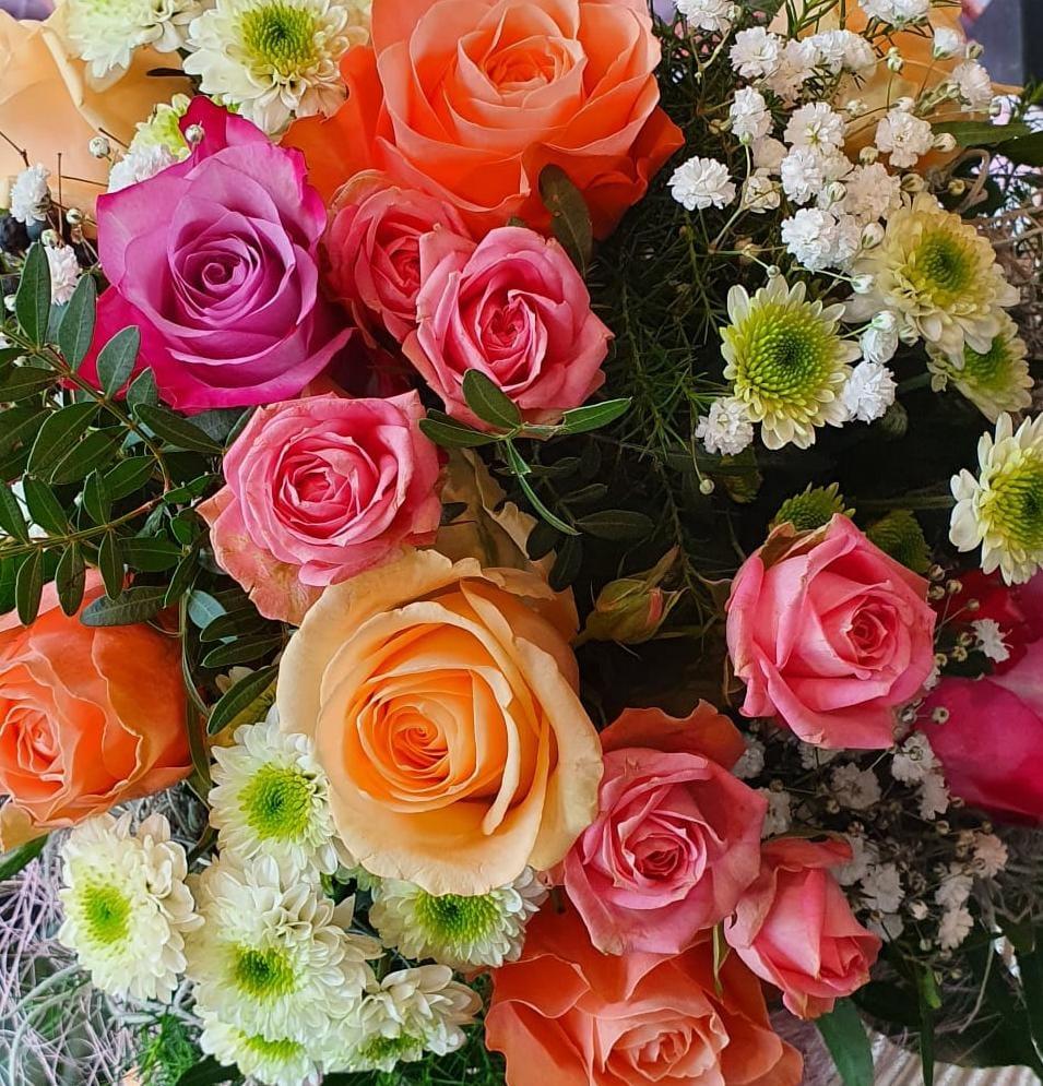 Blumen, Hochzeit, Beerdigung, Feste, Geschenke, Leihgefäße, Kaktus, Blumenkaktus, Ochsenhausen, Trauergestecke. Kränze. Grabschmuck. Brautstrauß.