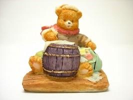 Teddy bear writing letter