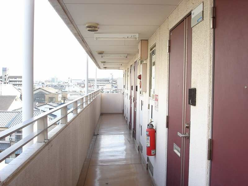 Grand Chemin, Corridor