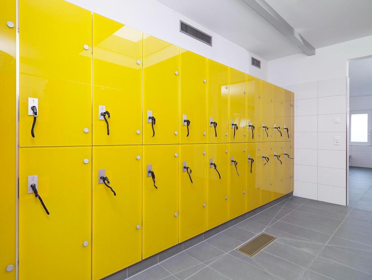 Branchen - WC Trennwände - Glasanlagen - GSK-Worm GmbH