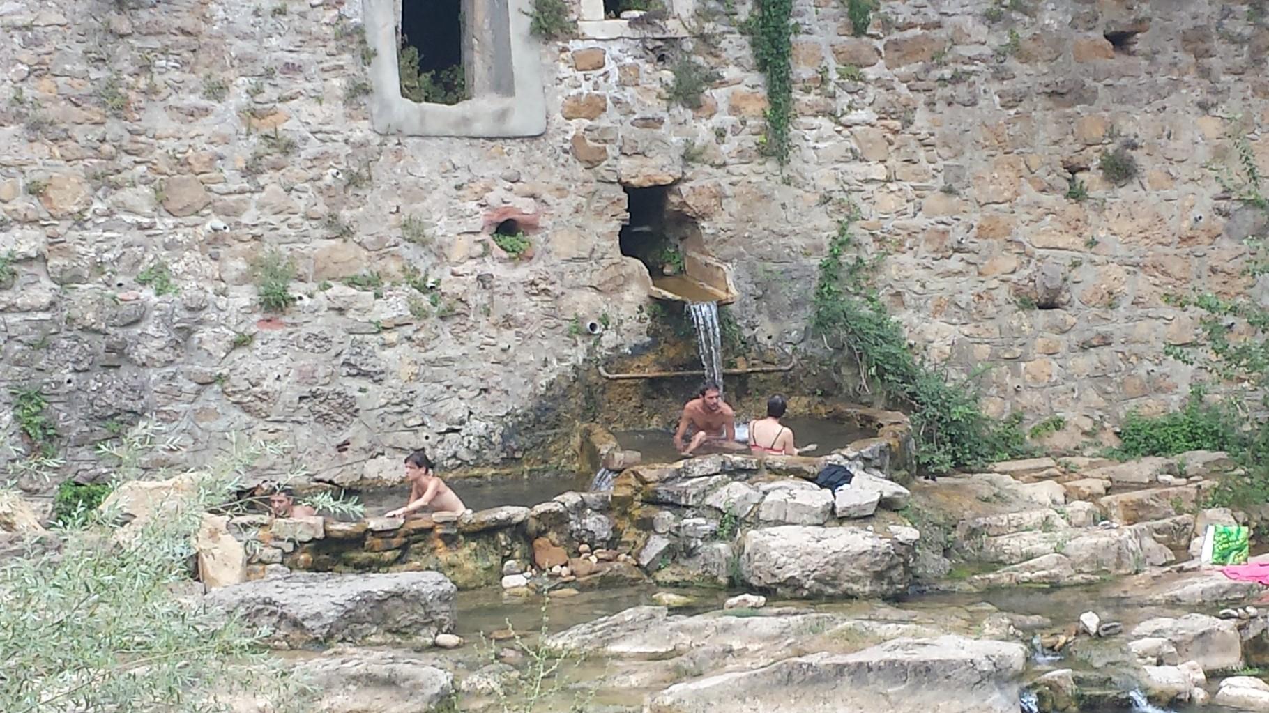 Les sources d'eau chaude de Rennes les bains