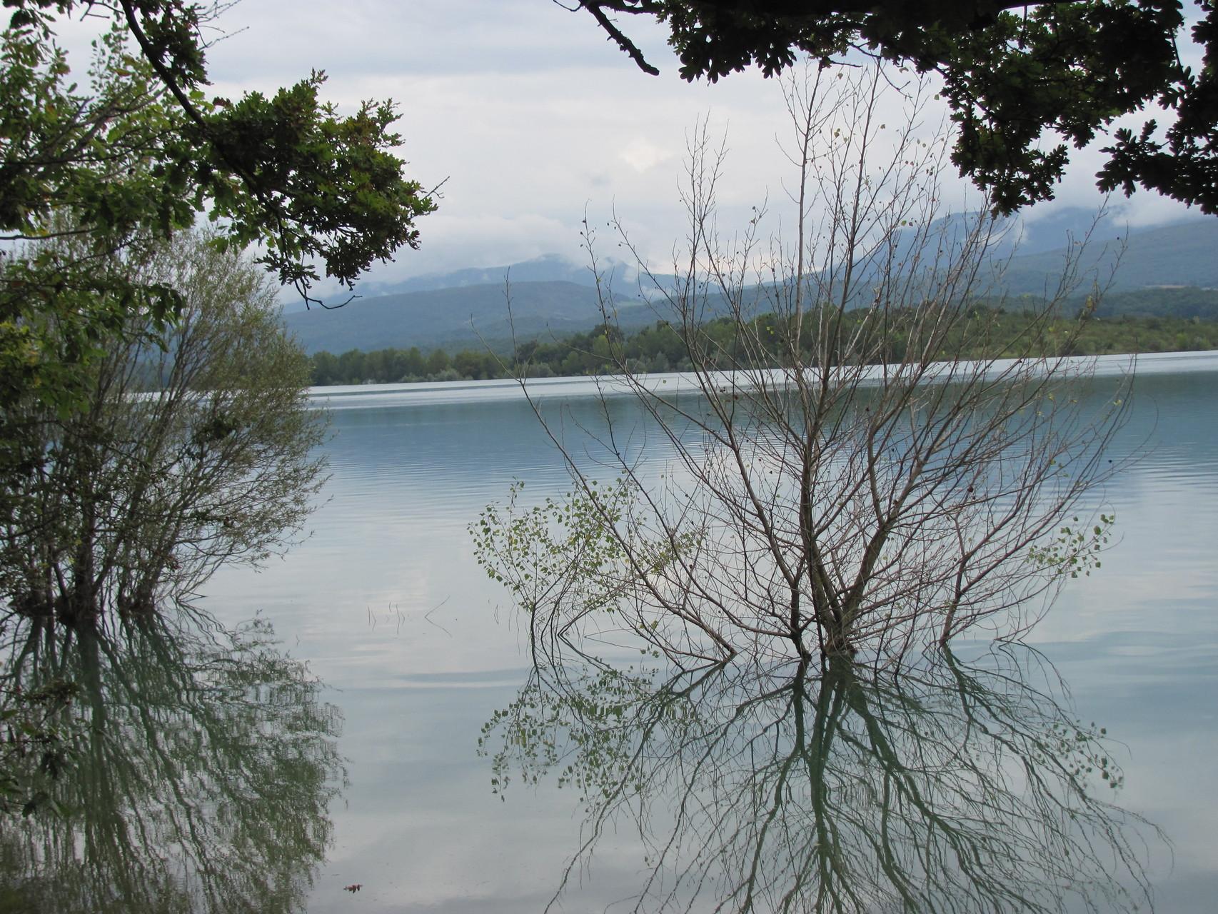Montbel lake