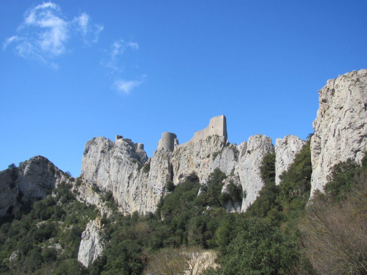 Découvrir les châteaux cathares, des villages médiévaux ou pratiquer les sports en Occitanie