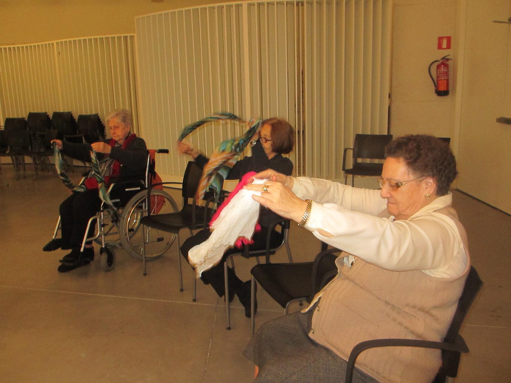 Baile con pañuelos - Musicoterapia