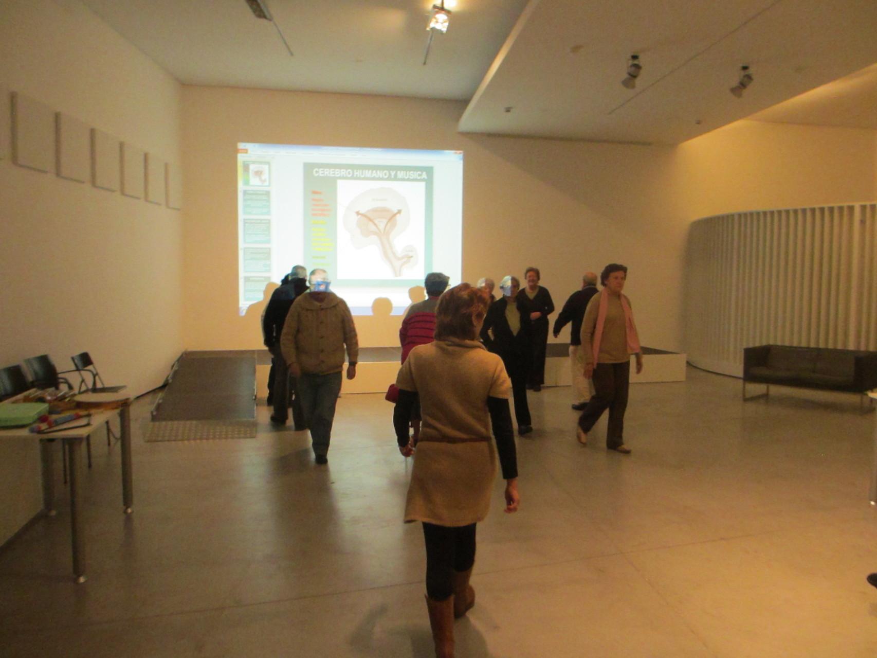 Ritmos propios al andar - taller musicoterapia gente mayor