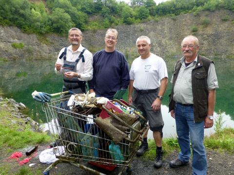 Müll sammeln im Eulenberg-See