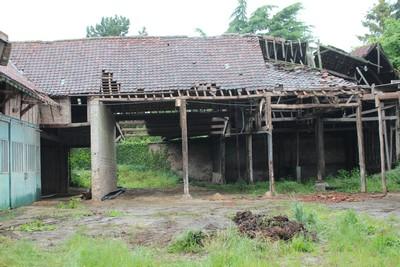 La grange trop endommagée pour être restaurée