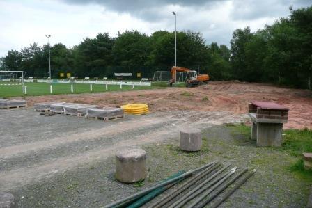 Im Jahr 2009 endstand der kleine Trainingsrasenplatz