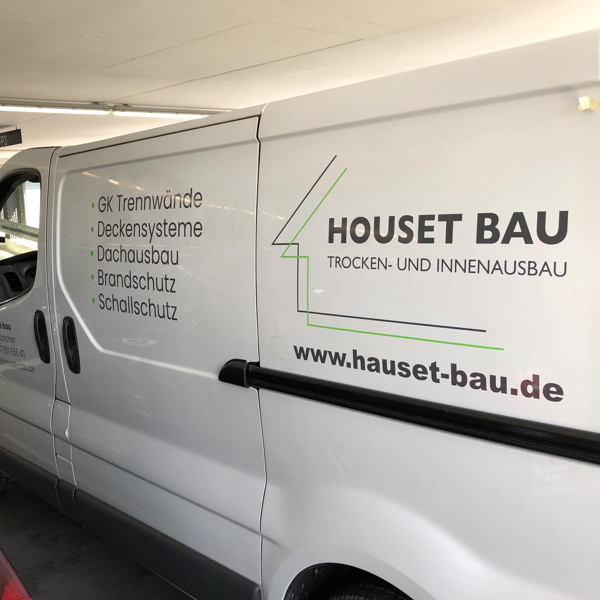 Houset Bau Transporter Beschriftung in München