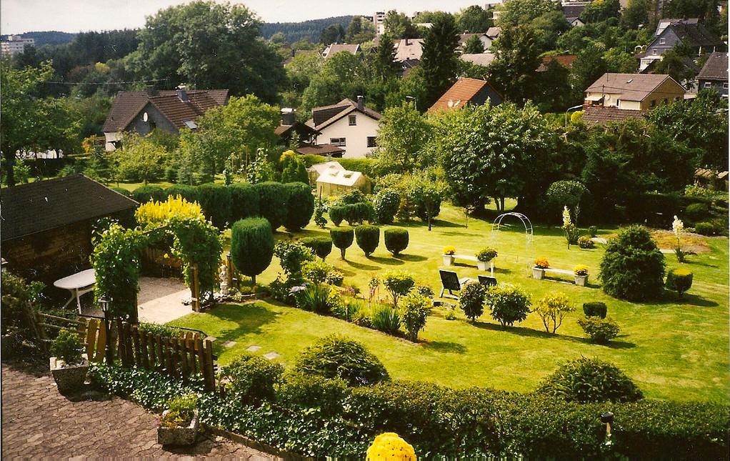 Gartenanlage, Liegewiese, Grillecke