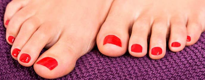 Of om met een nagellak of gellak nagellak af te werken, zodat het er weer netjes en verzorgd uit ziet, de natuurlijke tint is er speciaal voor de heren.