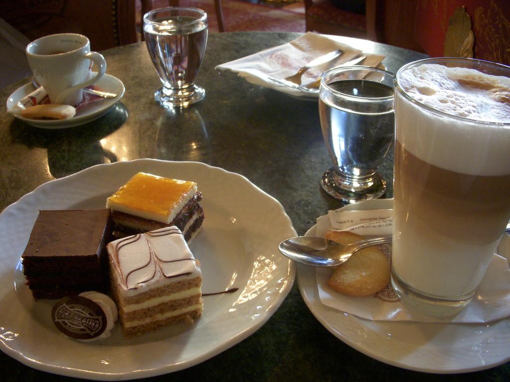 カフェ「ジェルボー」
