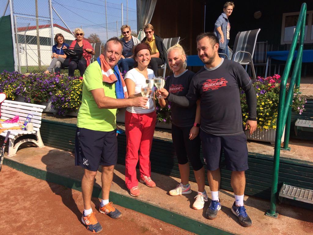 Die Finalisten - Monika & Hansi sowie die späteren Sieger Eva & Voker