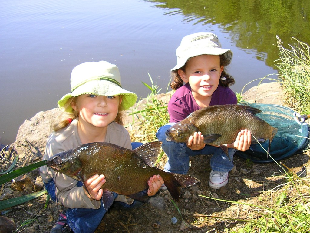 Les deux doyennes de l'AAPPMA du Loch : Aghate et Clara