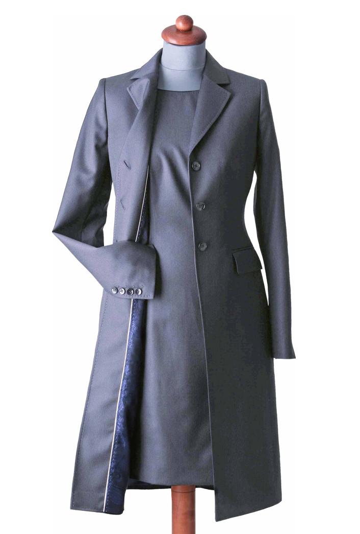 Ensemble aus Kleid und passendem Mantel