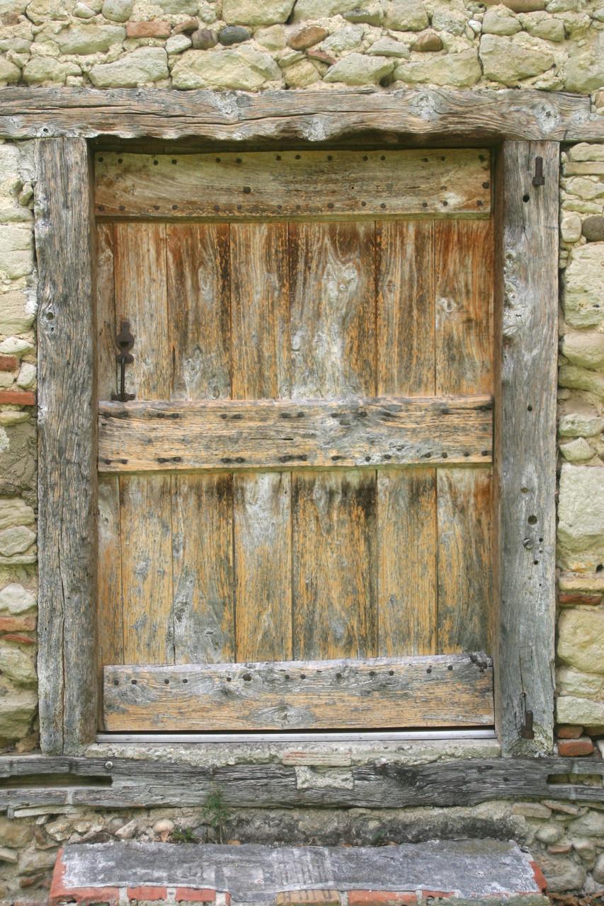 ... derrière la porte...