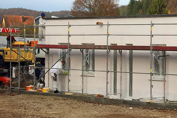 Foto: Baustelle Rohbau eingerüstet - ELKO GmbH, Eichstätt, Bayern | Innenputz Auussenputz Wärmedämm-Verbundsysteme