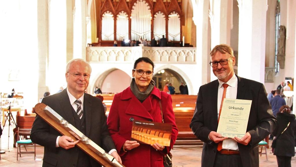 Restaurierte Orgel in Bernburg eingeweiht, 100 Jahre Pflege und Wartung gesichert