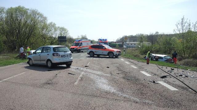 Schwerer Verkehrsunfall mit Personenschaden in Latdorf - Salzland ...
