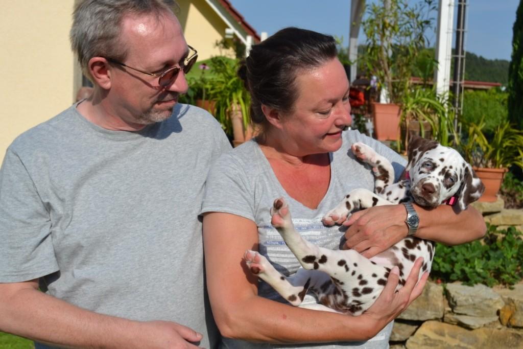 Saphira ist die erste gewesen, die uns am Freitag, den 17.07. verlassen hat. Sie ist zu Natascha und Robert nach Schmalkalden gezogen.