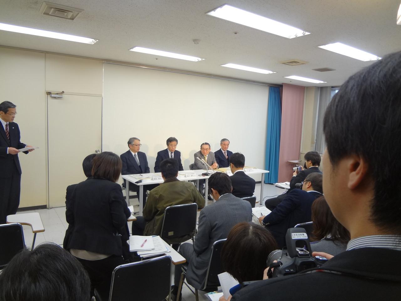 ILCアジア-九州推進会議設立記者会見の様子です。