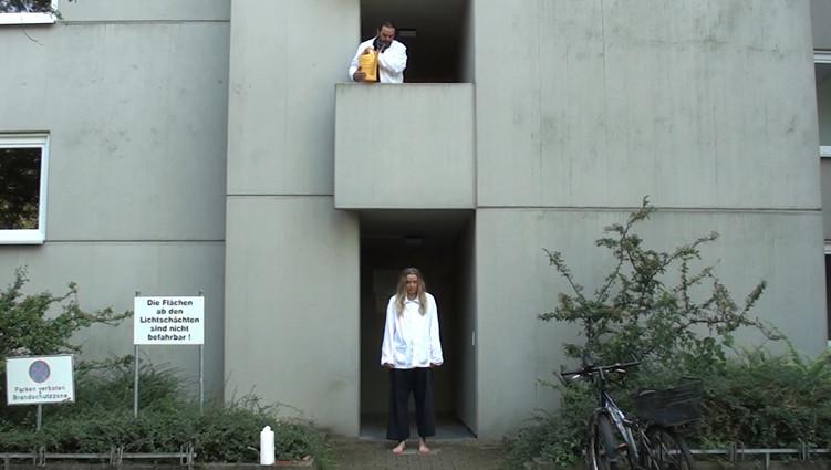 Schüttung nach Pregnitz auf eine Testperson (Claudia Raudszus)