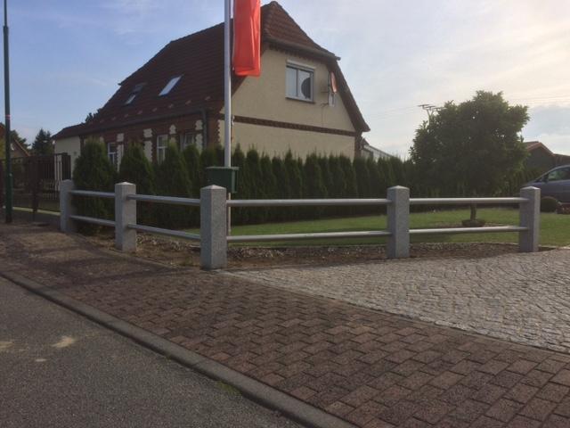Pfosten aus schlesischem Granit Hamburg und Stuttgart kaufen