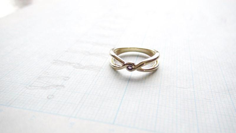K18YG手作り婚約指輪「アメジスト」