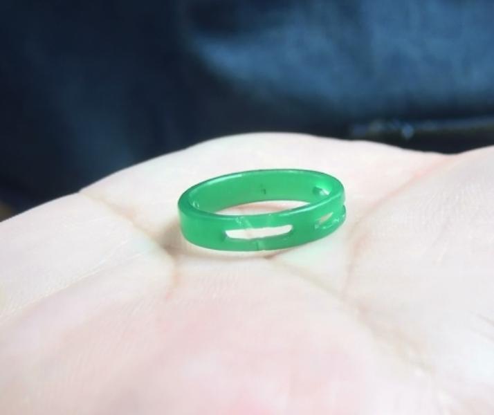 完成した婚約指輪の原型ワックス