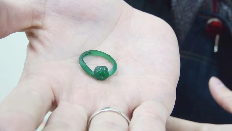 パンダ婚約指輪の原型ワックスを手作り
