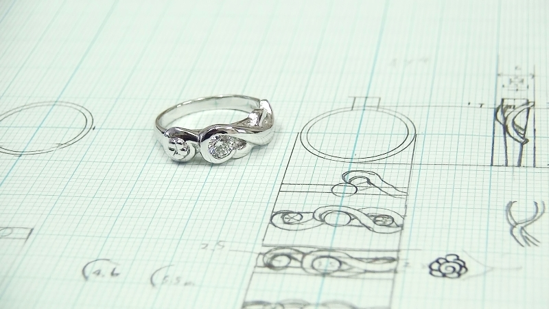 Pt900手作り婚約指輪「花」