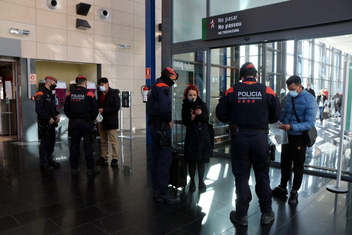 Каталония усиливает полицейский контроль